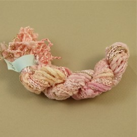 Assortiment de fils rose pâle changeants