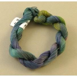 Coton perlé changeant du vert au violet