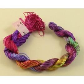 Filaments de soie arc en ciel