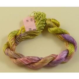 Filaments de soie olivine et rose