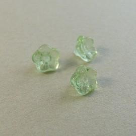Perle fleur ancienne 8 mm vert pâle