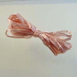 Raphia à broder rose pâle