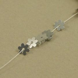 Paillette fleur 5 mm argent brillant sur fil