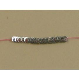 Paillette 4 mm argent brillant sur fil