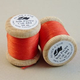 Perlé silk orange Au ver à Soie n°684