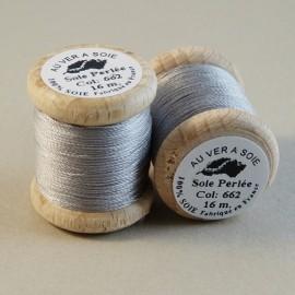 Perlé silk silver grey Au ver à Soie n° 662