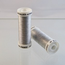 Metallic thread light silver « Au Sextant » n°221