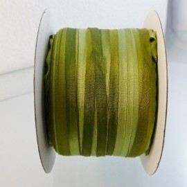 Silk ribbon 4 mm green tea color changing