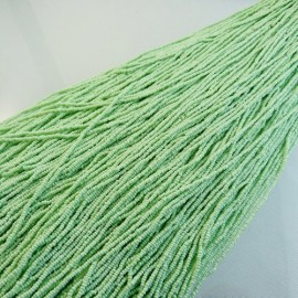 Antic micro seed bead 16/0 pale green on strand
