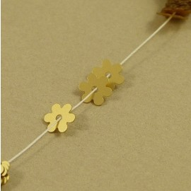 Flower flat sequin 5 mm metallic matt gold on strand